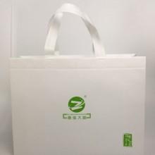 广州厂家无纺布袋子床上用品购物袋淋膜腹膜手提袋白色现货批发