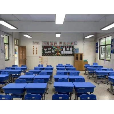现代课桌椅的质量和设计倍受重视