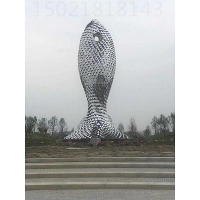 镇江大型公园菱形焊接鱼雕塑 抽象镂空上海之鱼制作图
