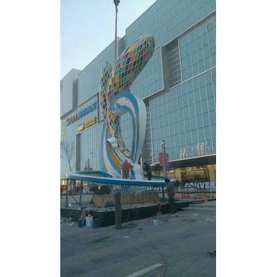 晋城商业街灯光浪花海豚雕塑 抽象海洋鱼主题摆件